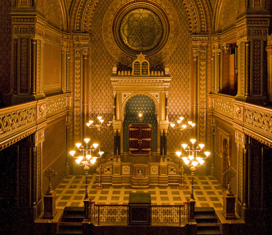 avant-garde-prague-interieur-synagogue-espagnole-2