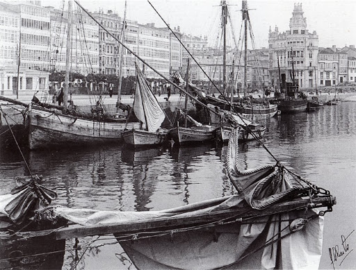 1939.BarcoselanchasnaDársenadaMariña