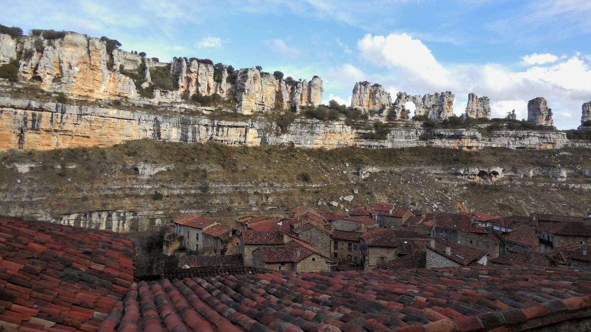 Orbaneja del Castillo: agua ypiedra