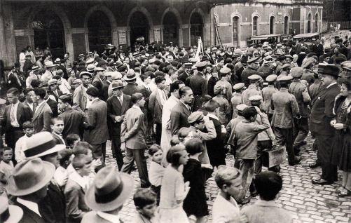 llegada de Azaña estacion. 1932