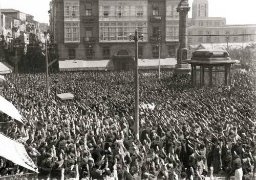 Manifestación de apoio ás tropas de Franco no Obelisco. Arquivo Cancelo